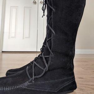 Minnetonka Shoes - Minnetonka Knee Moccasin Black Fringe Boot Wmn's 9